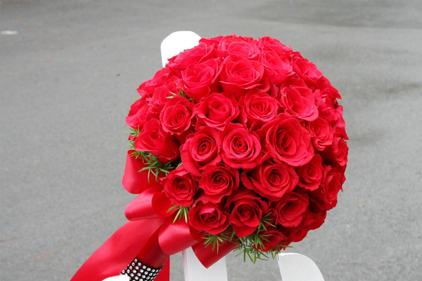Cách kết hoa cưới cầm tay