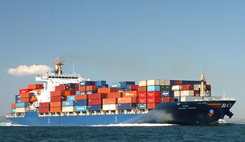 Hoạt động vận chuyển hàng hóa bằng đường biển